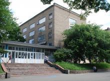 Кампус КПІ. 14 корпус, літо
