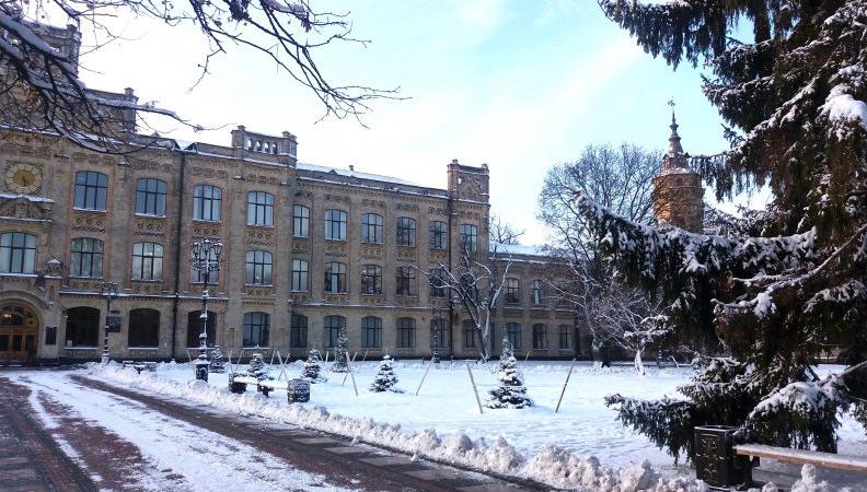 Кампус КПІ, 1 корпус взимку