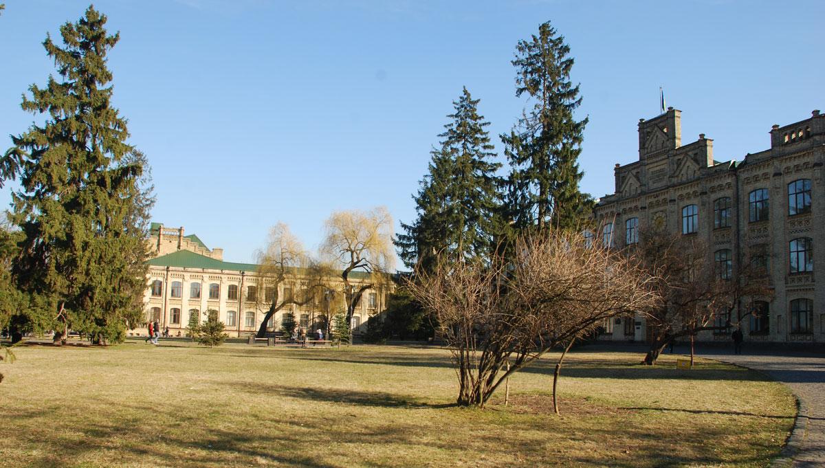 Кампус КПІ. 1 корпус, Весна