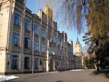 Кампус КПІ. 1 корпус взимку