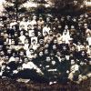 Колектив КПІ. Комсомольці інституту перед головним корпусом інституту. Літо, 1925 рік